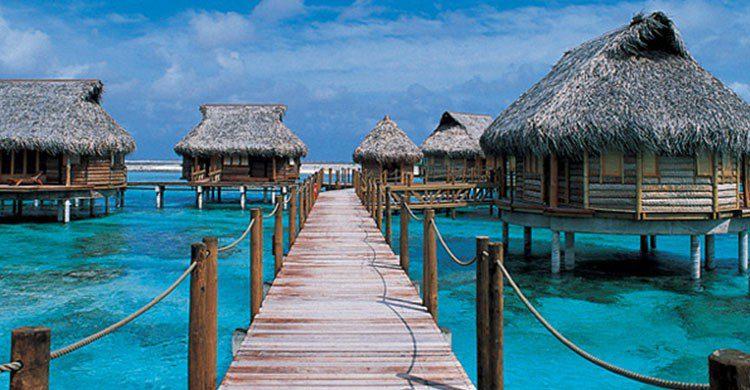 Estas son las 6 caba as sobre el agua m s espectaculares for Cabanas sobre el mar en mexico