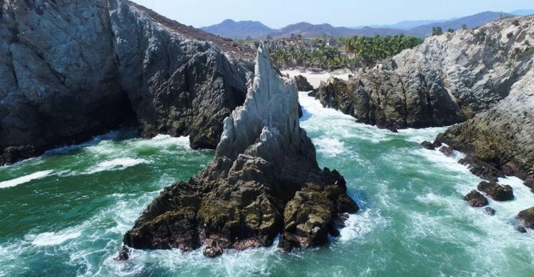 Formaciones rocosas en Maruata