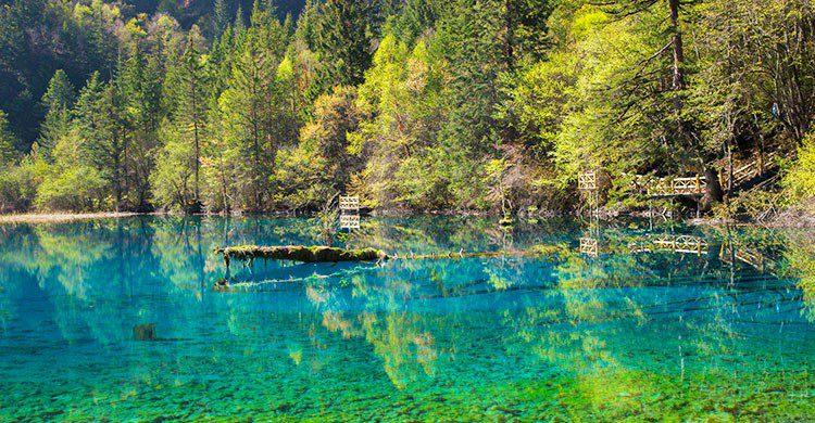 Lago en China.