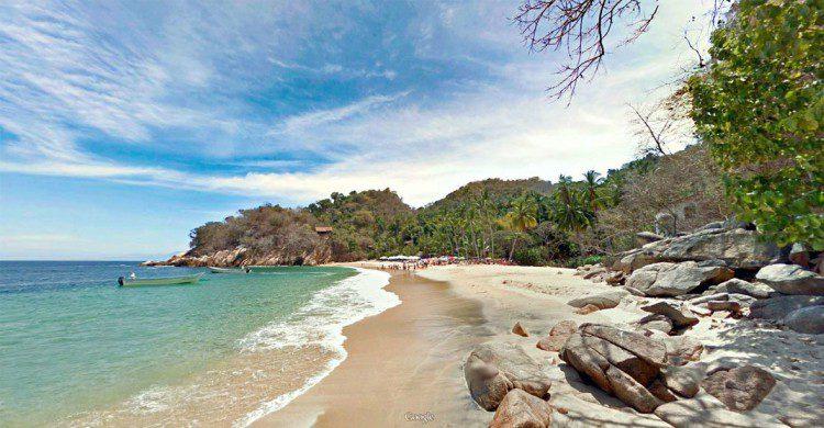 Playa de Puerto Vallarta de día