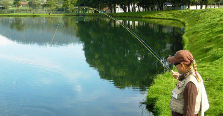 Pesca en rancho El Pedregal.
