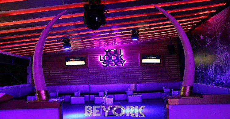 Antro Beyork vacío en la Ciudad de México