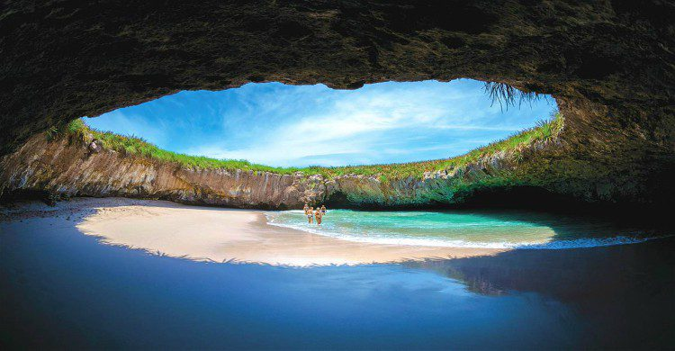 Vista panorámica de la Playa del Amor en Nayarit,