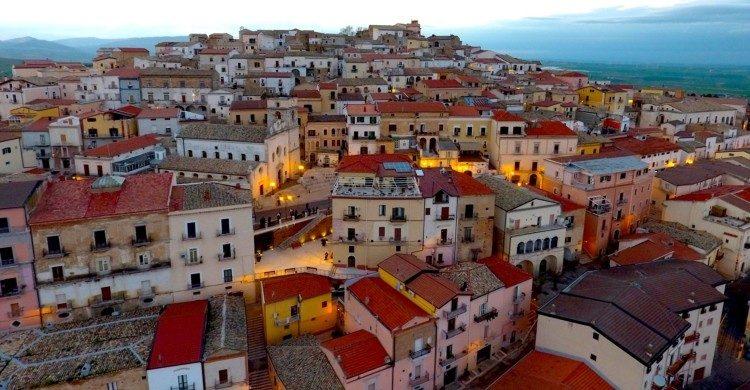 Ciudad de Candela en Italia de día