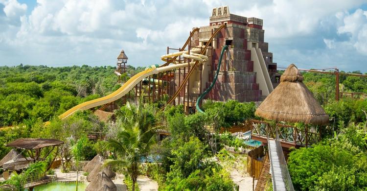parque acuático Lost Mayan Kingdom de día